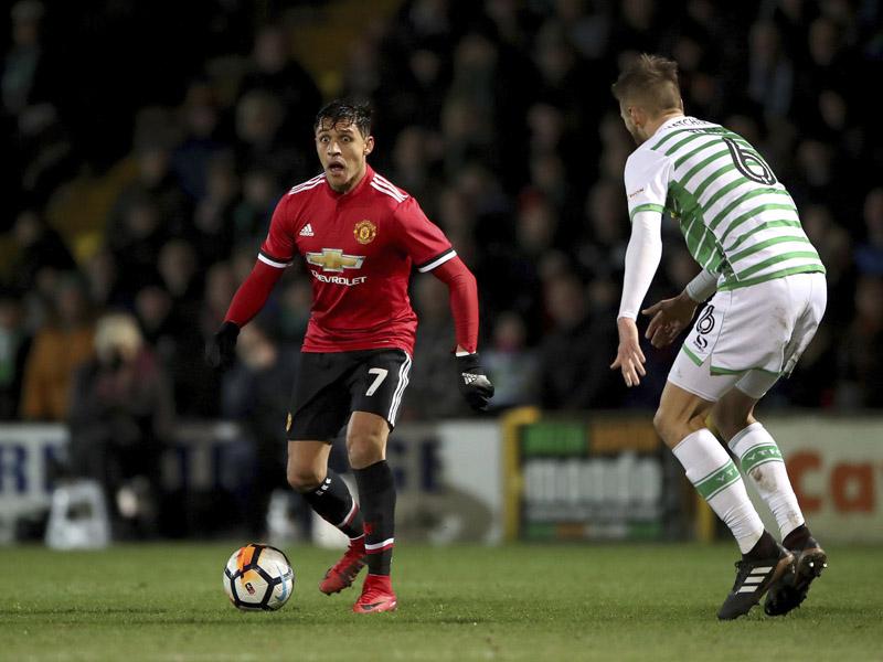 ¡A desquitar el sueldo! Alexis debuta con el Man United