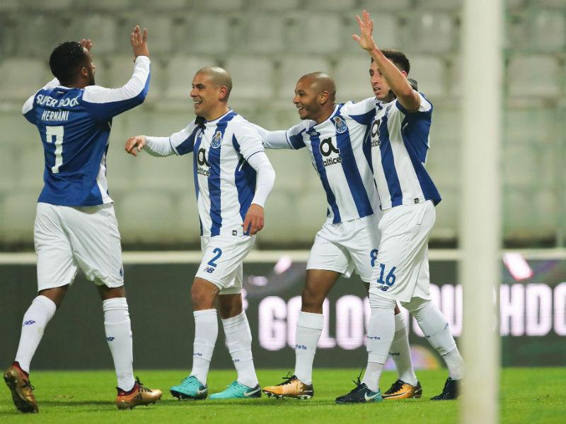 Doblete mexicano da triunfo al Porto en Copa