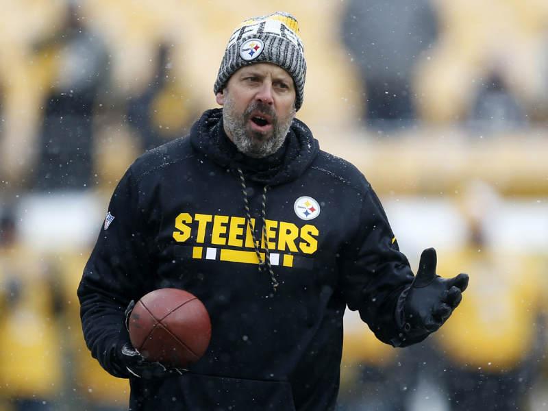 Steelers no renueva a coordinador ofensivo