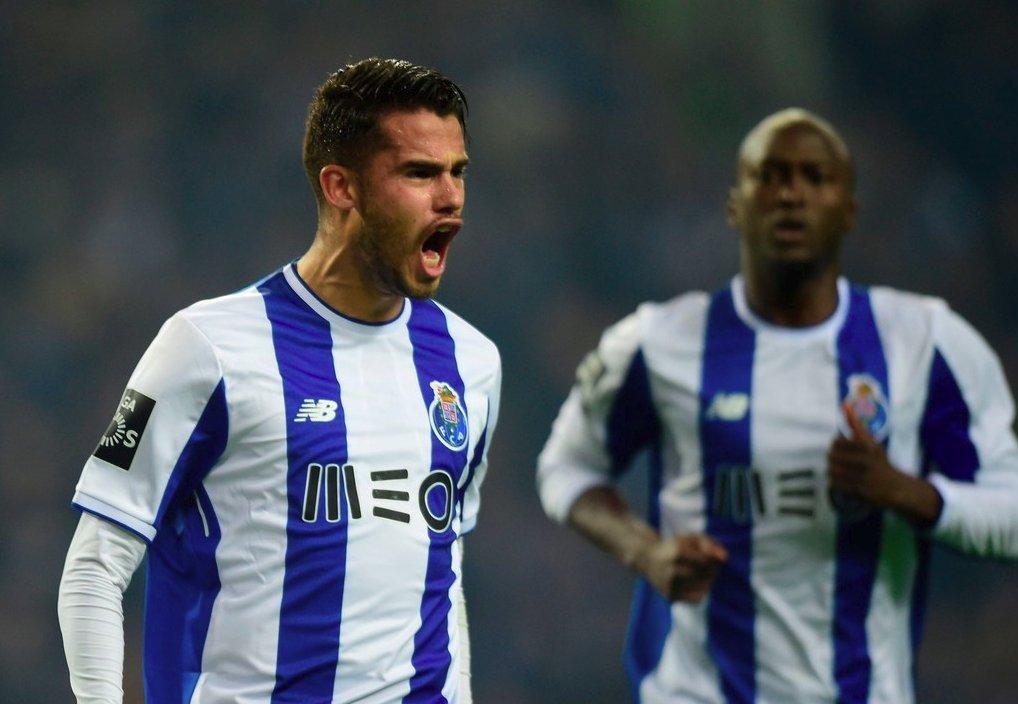 Reyes muestra poder mexicano y marca en triunfo del Porto