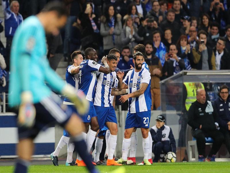 Porto golea con Herrera y Corona a Rio Ave