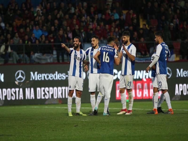Porto golea, con Herrera, Corona y Reyes en cancha