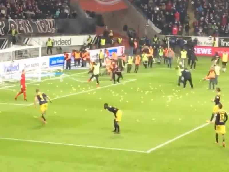 Fans protestan de manera épica por juego en lunes