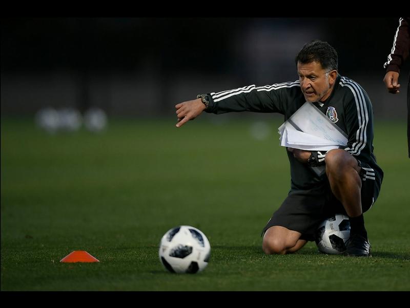 Juan Carlos Osorio se llevará 3 jugadores mexicanos a Europa