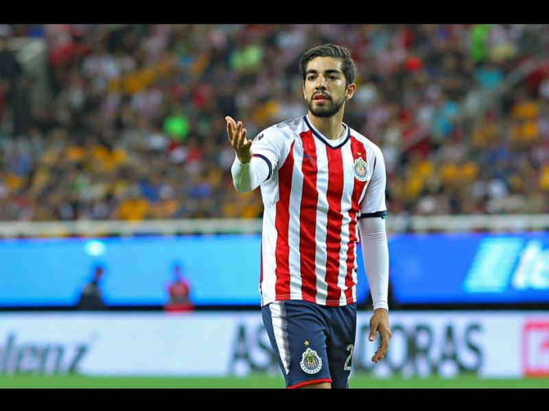 Pizarro se despide de manera emotiva de Chivas