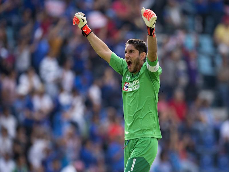 Cruz Azul vence a Lobos BUAP en el Estadio Azul