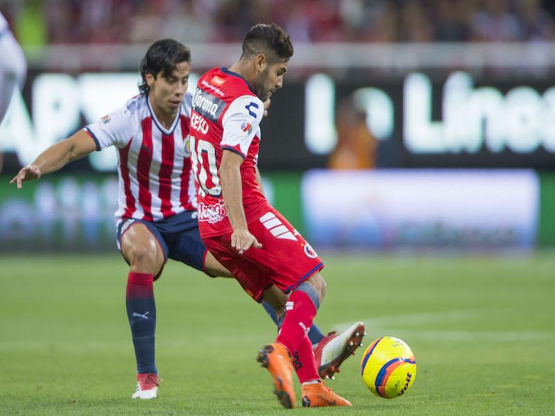 Benjamín Galindo Jr se equivoca en debut con Chivas