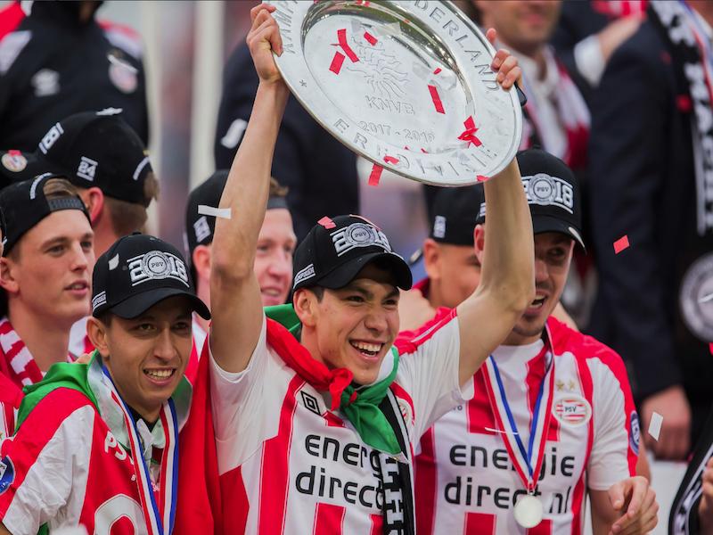 Chucky Lozano y el PSV festejan campeonato en Eindhoven