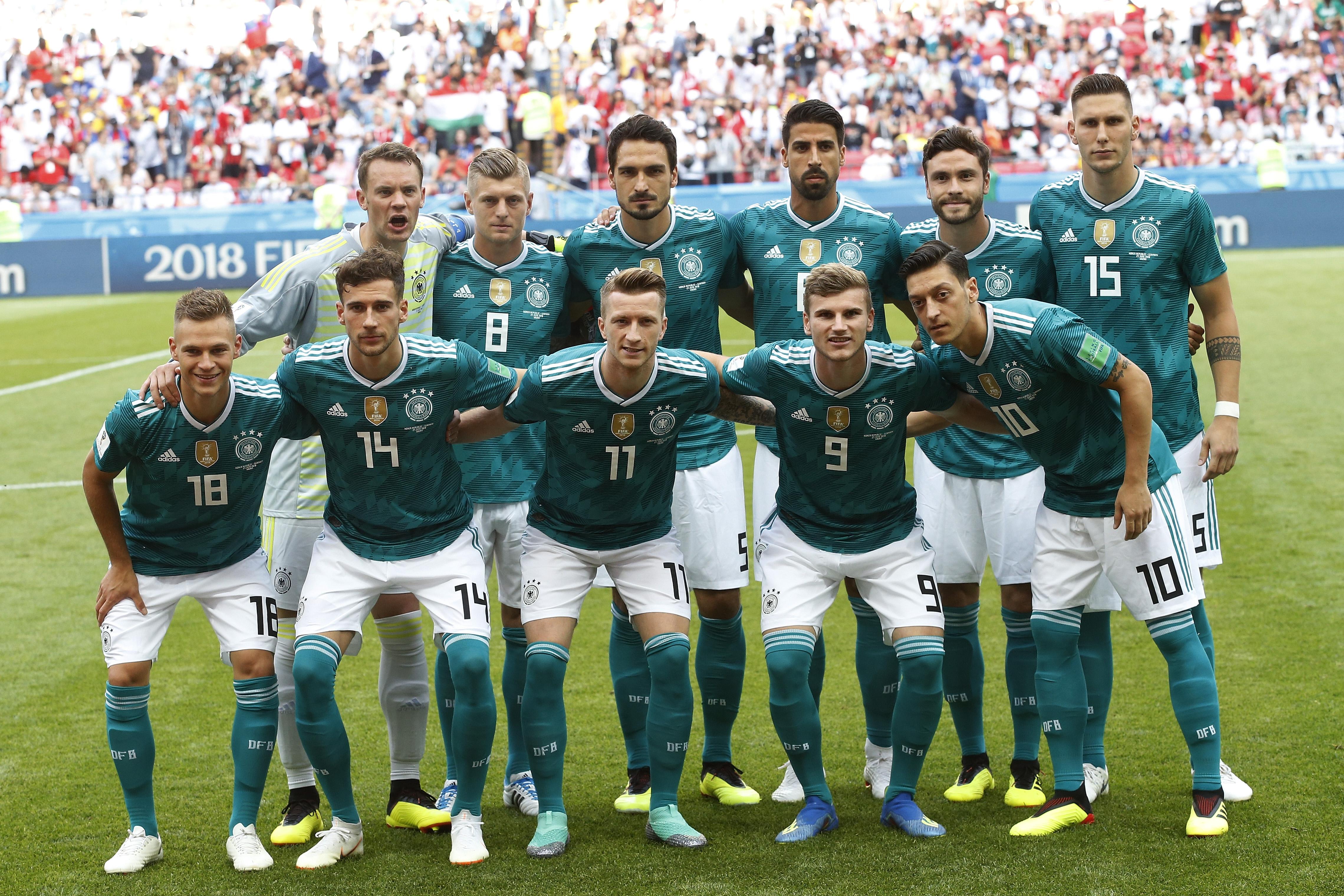 Rematan jersey de Alemania en tiendas deportivas de México - Estadio ... 12b21b292639d