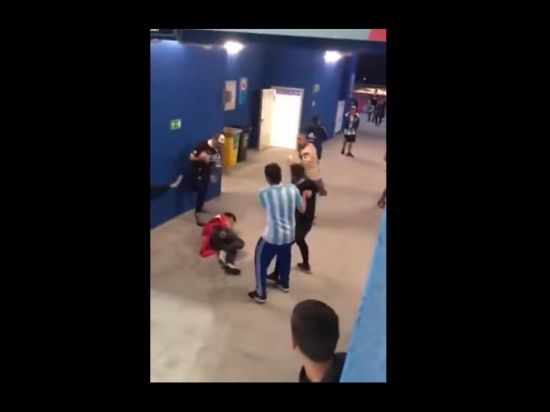 Video: aficionados argentinos dan golpiza a croatas