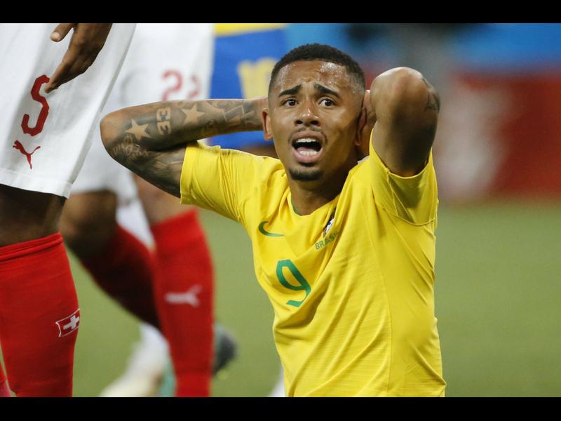Brasil se topa con un muro suizo y empata en su debut