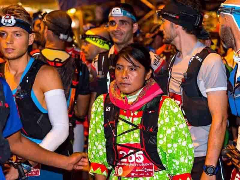 La corredora rarámuri que ganó el tercer lugar en un ultramaratón de España