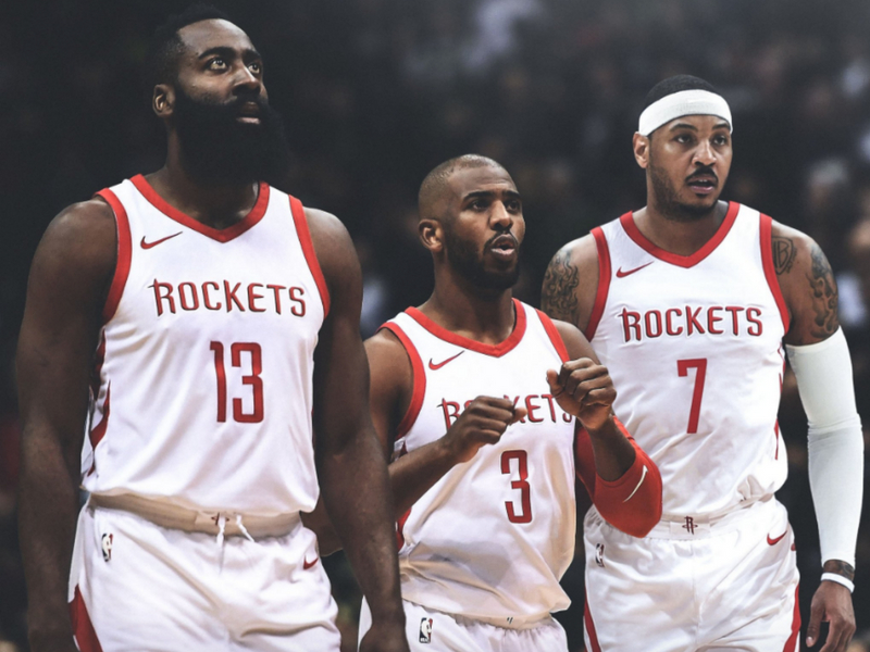 Carmelo Anthony, con pie y medio en los Rockets