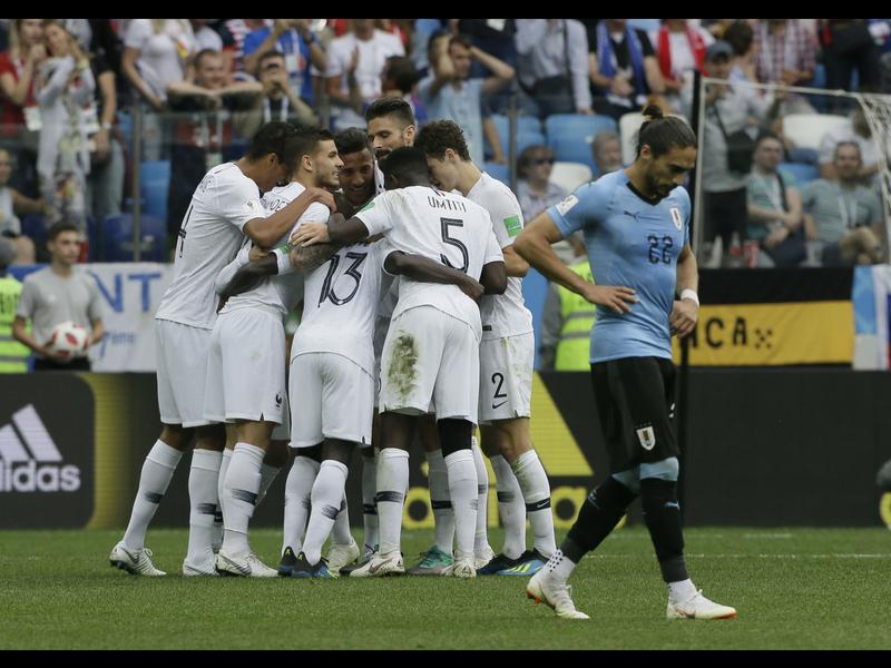 Uruguay a casa, Francia a semifinales