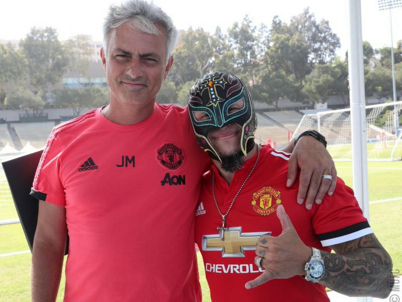 Rey Mysterio 'Refuerza' al Manchester United