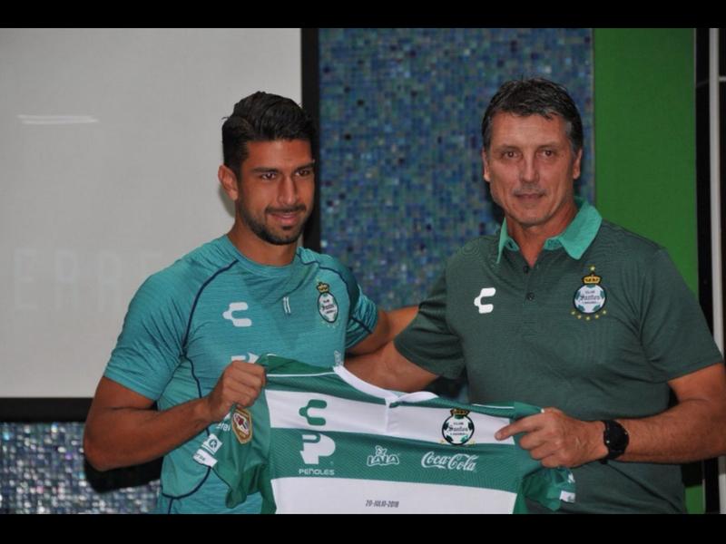 Santos presenta a su nuevo delantero