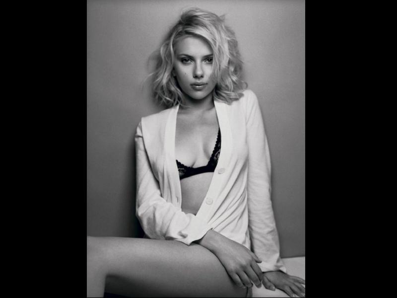 Scarlett Johansson, la zurda más sexy del séptimo Arte