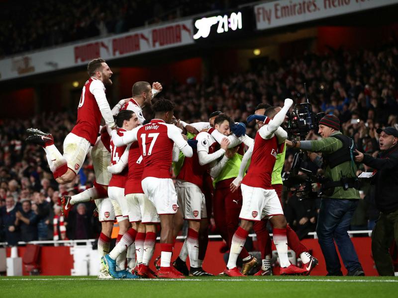 Arsenal será el tercer equipo que más cobra por su camiseta