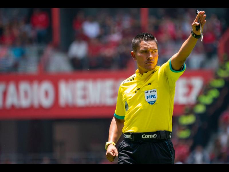 Fernando Guerrero: El árbitro de los clásicos