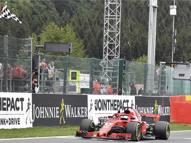 Vettel gana el GP de Bélgica y supera a una leyenda de F1