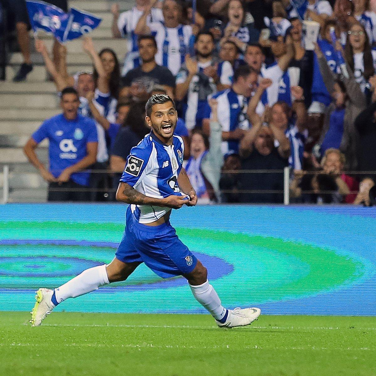Destacada participación de Corona en la victoria del Porto