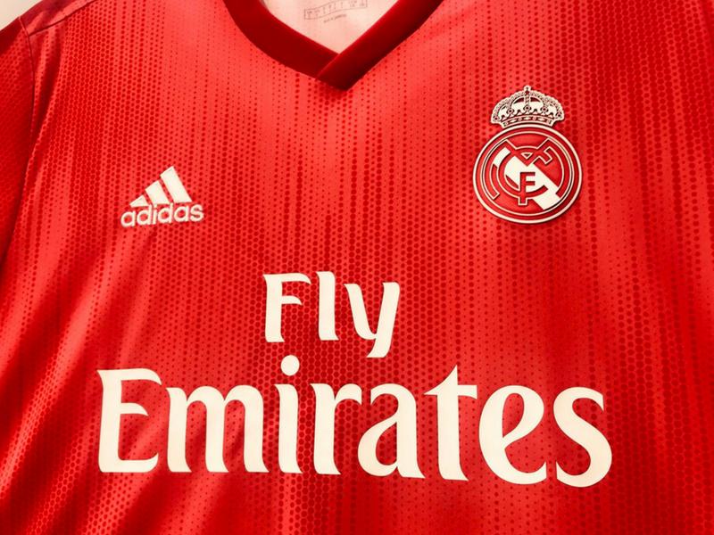 2679f71eec Espectacular! Así es la tercer camiseta del Real Madrid - Estadio ...