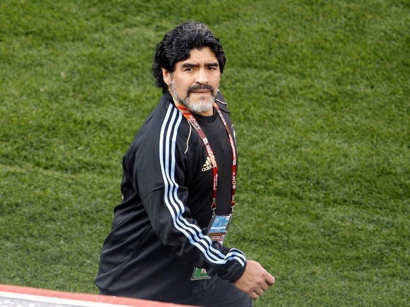 Maradona: 10 en la cancha y cero en la banca