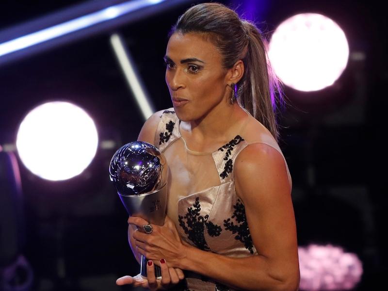 Marta supera a Messi y CR7 juntos