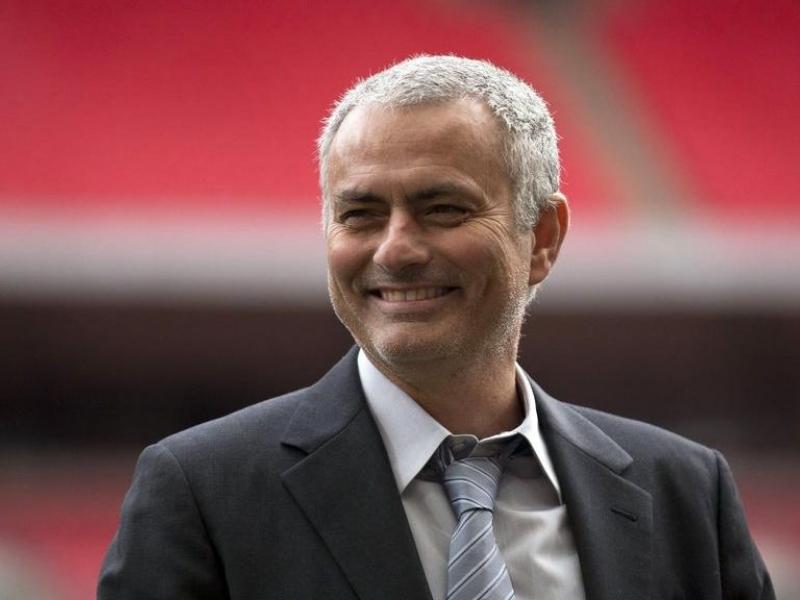 Mourinho besó el piso de Wembley