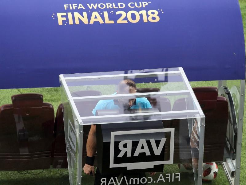 ¡FIFA en Problemas! El VAR a juicio