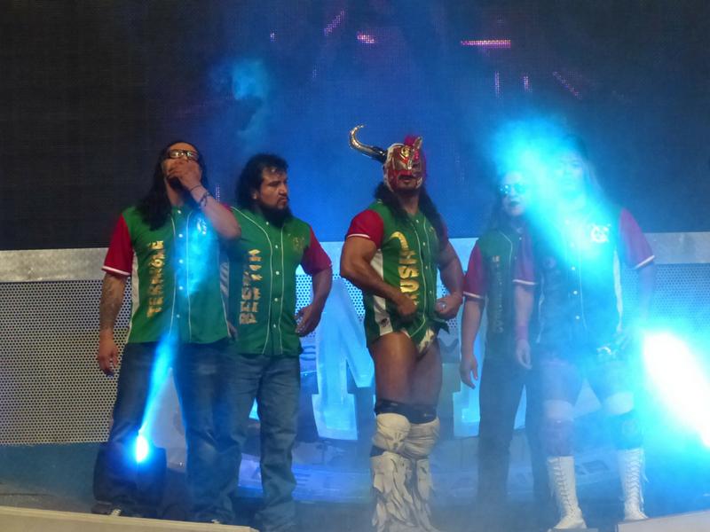 Los 'Ingobernables' desatan la locura en Arena México