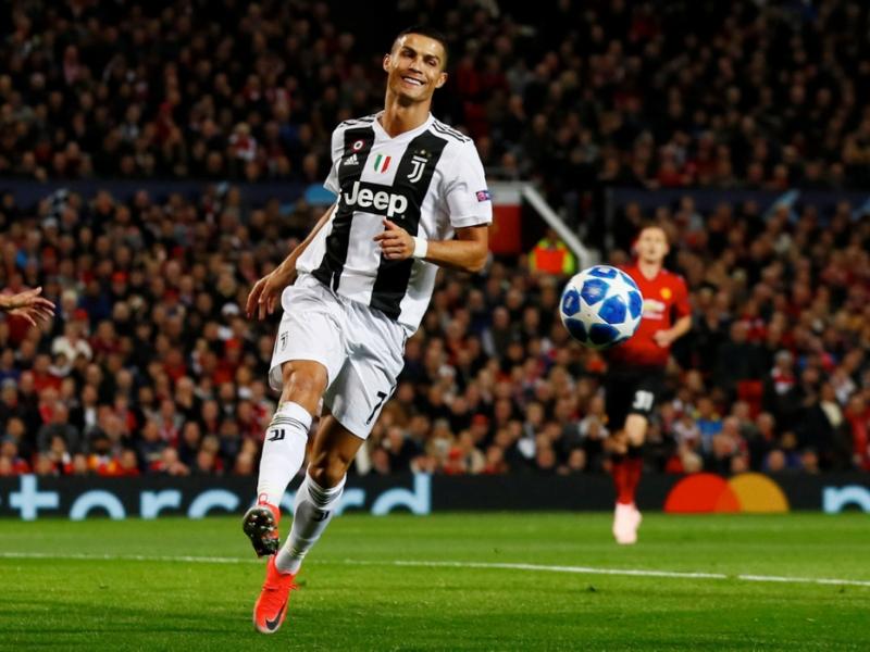 ¡Ronaldo y la Juve sacan triunfo de Old Trafford!