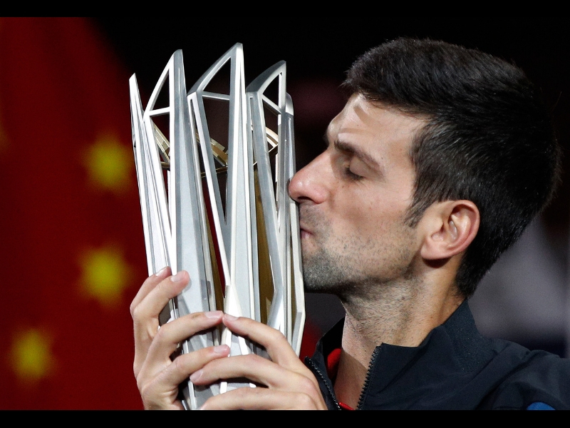 Djokovic supera a Federer y acaricia la cima del ranking