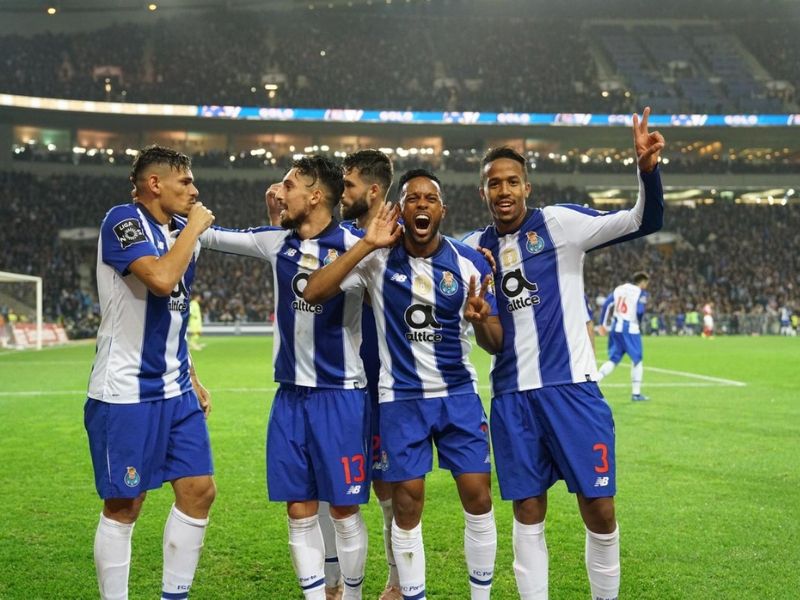 ¡Porto gana y es líder en Portugal!