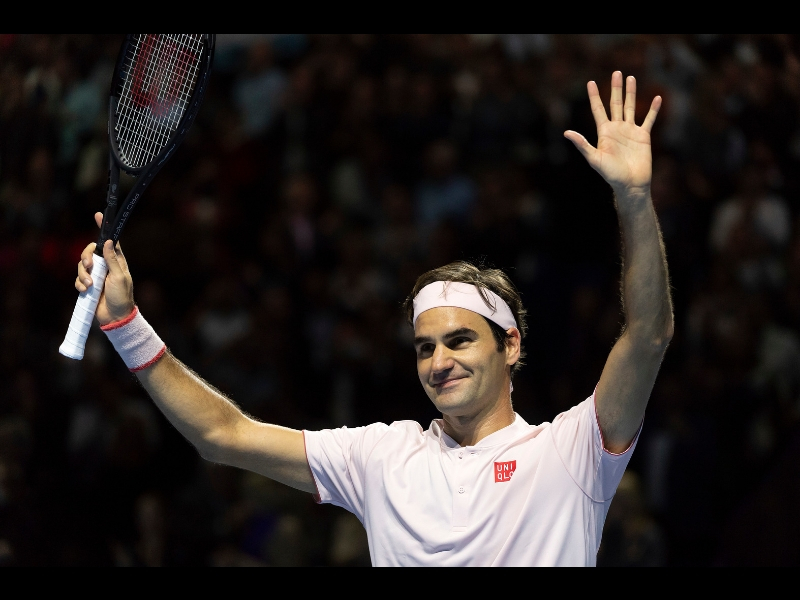 Federer accede a cuartos en Paris