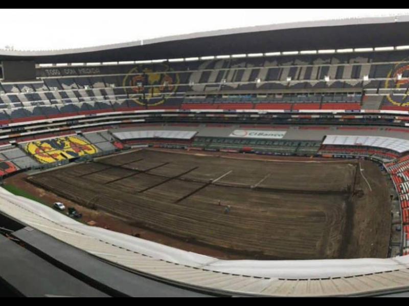 Estadio Azteca estrenará pasto de cara a la liguilla