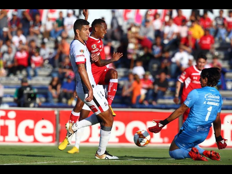 Lobos sorprendió y venció a Toluca