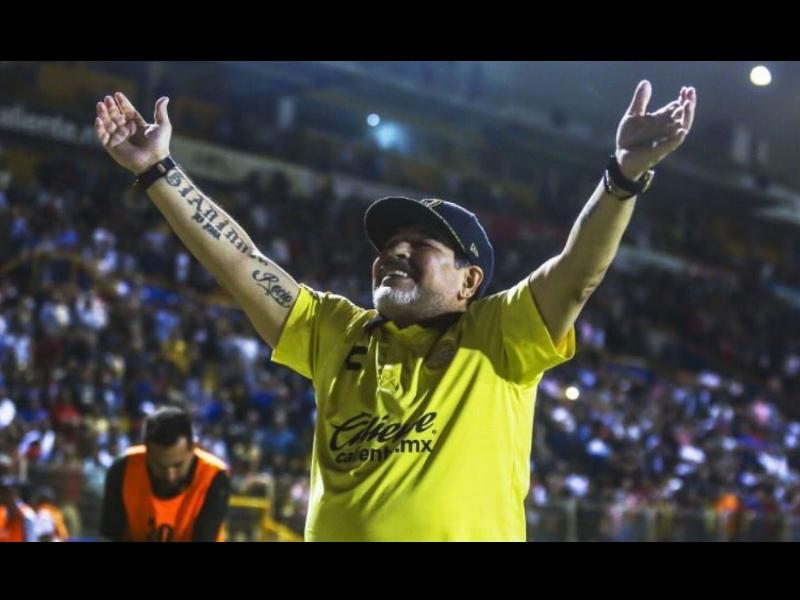 Maradona se mete con el presidente de Argentina
