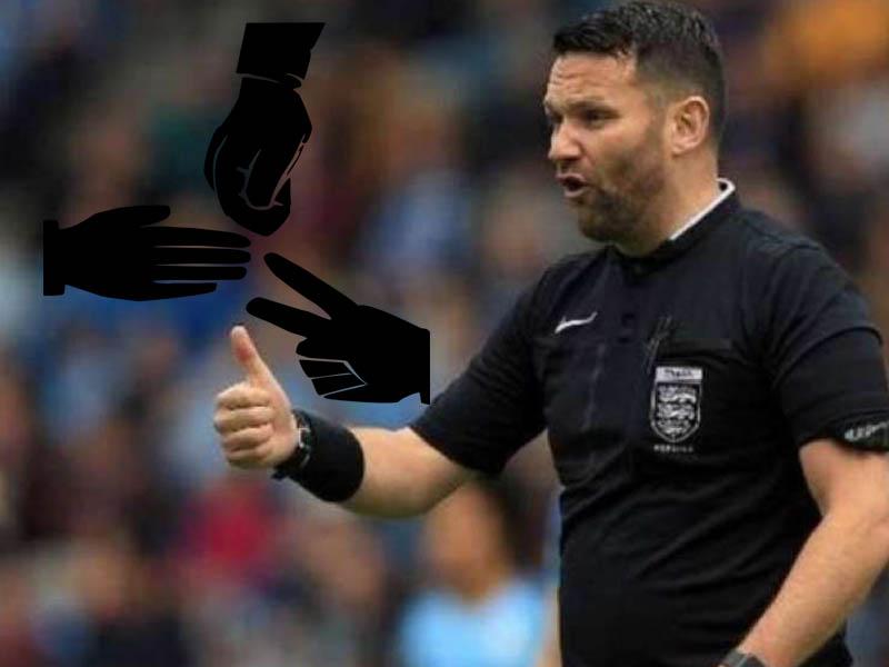 Suspenden a árbitro por usar 'piedra, papel y tijeras' en un juego