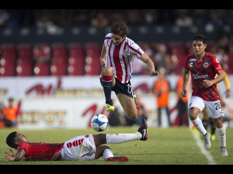 ¿Cómo le va a Chivas cuando juega en lunes?