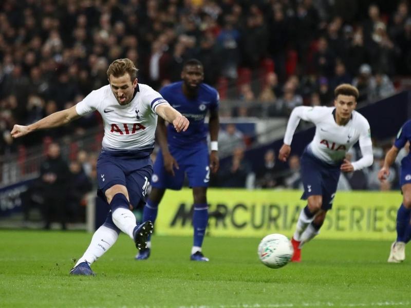 Tottenham se queda con el primer clásico