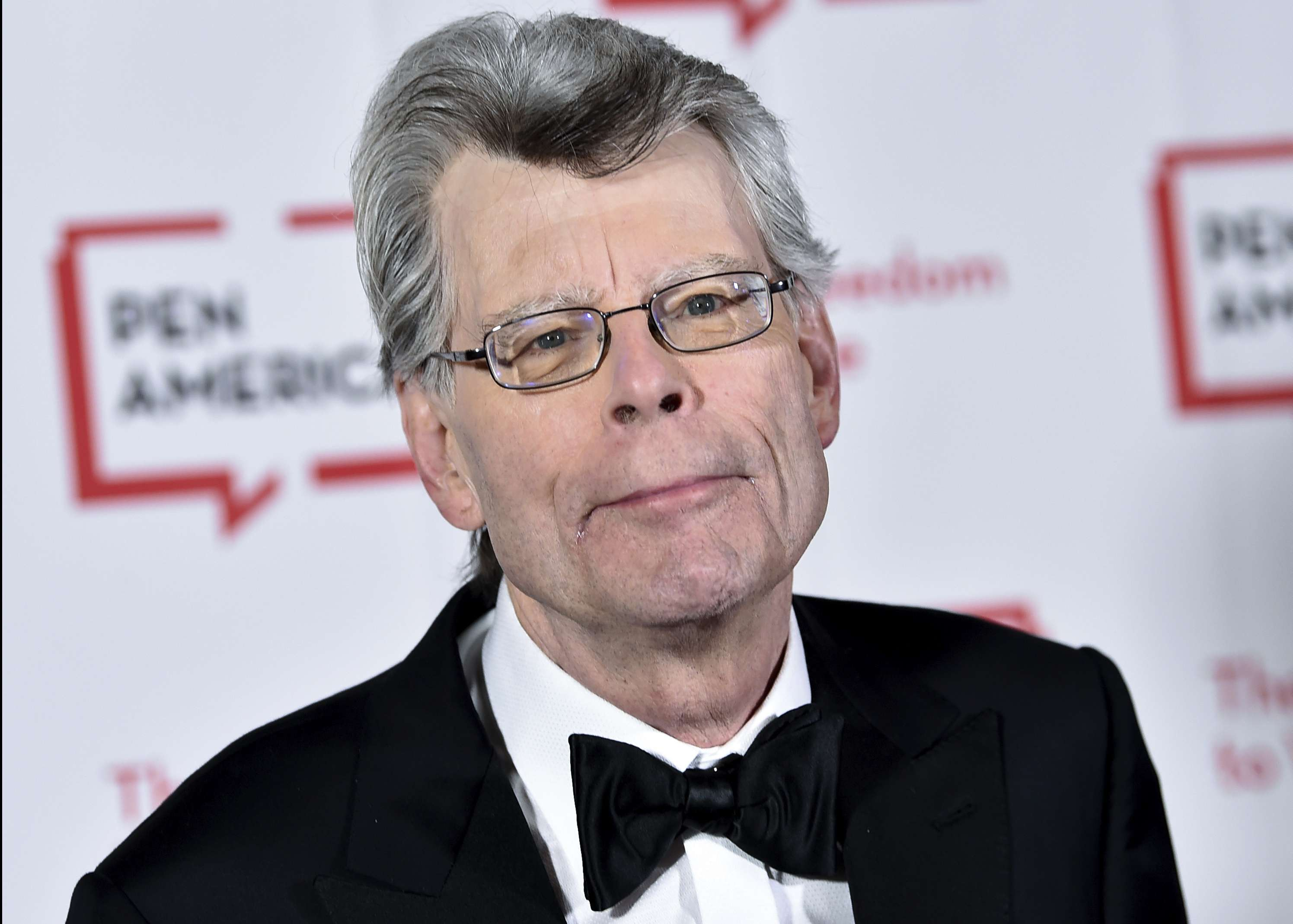 Stephen King dona 1,25 millones a investigación genealógica