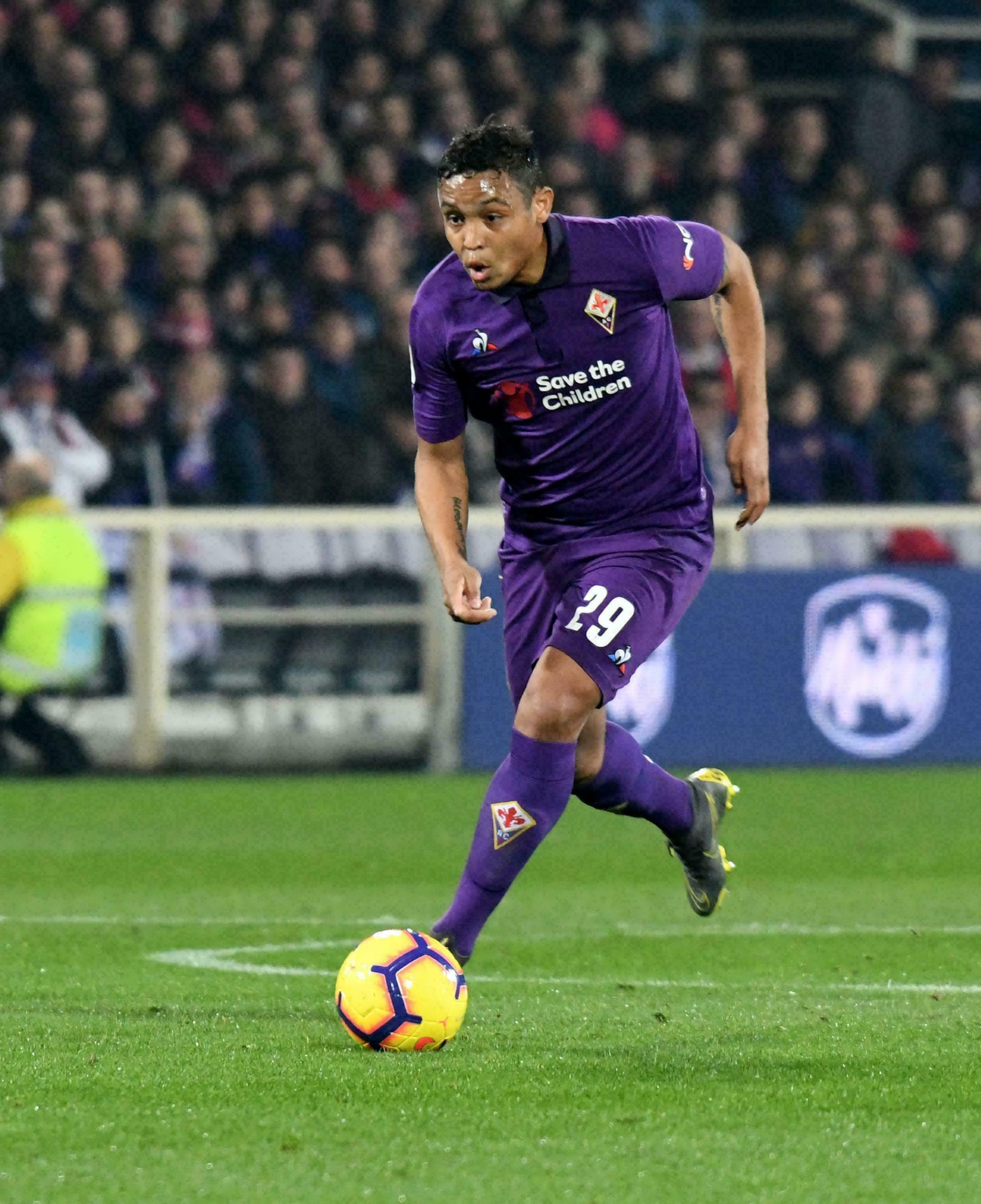 Fiorentina empata 3-3 en ida de semifinales de Copa Italia