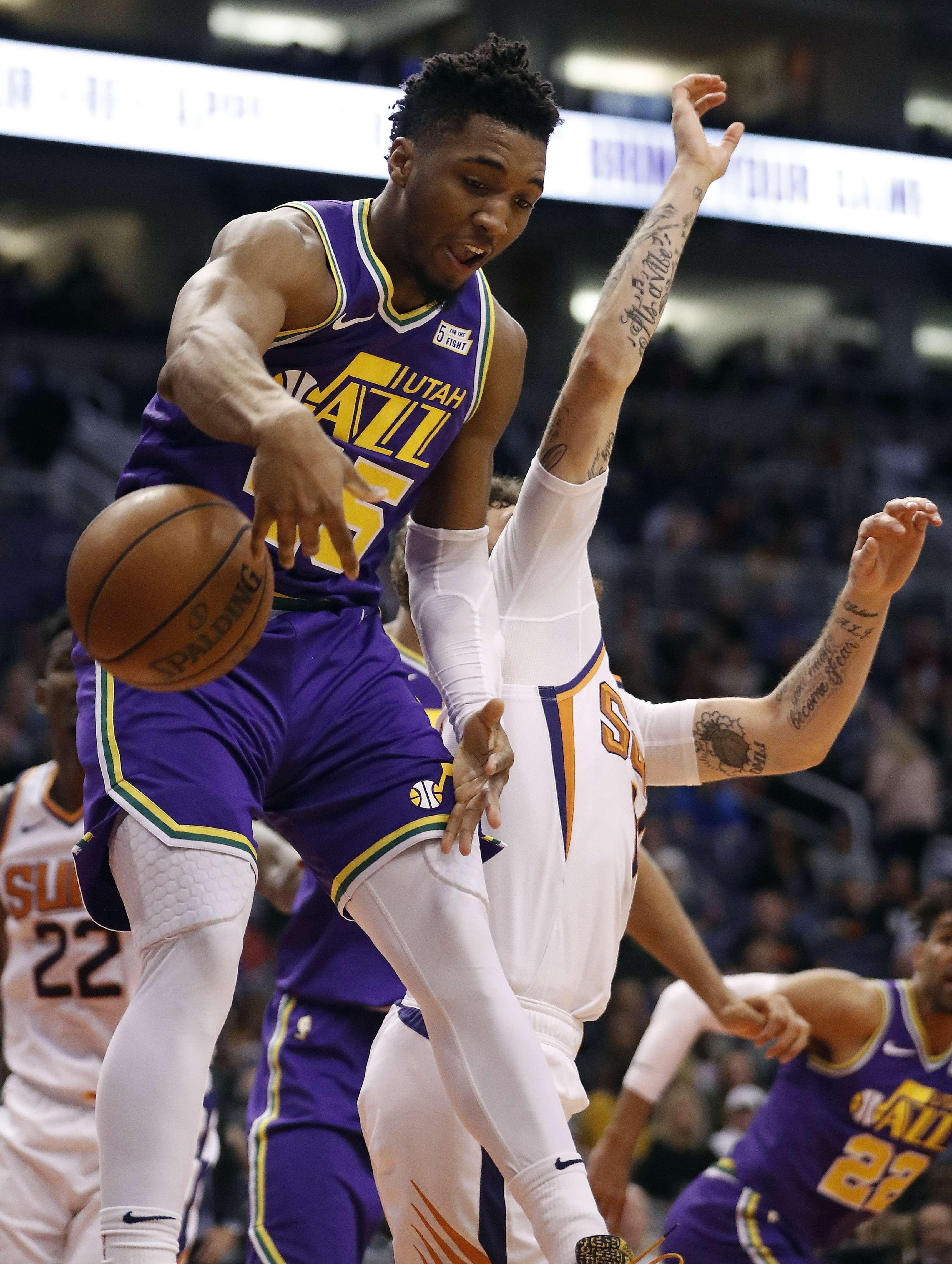 Mitchell y Gobert llevan a Jazz a triunfo sobre Suns