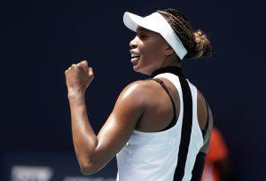 Venus Williams debuta con triunfo en Miami