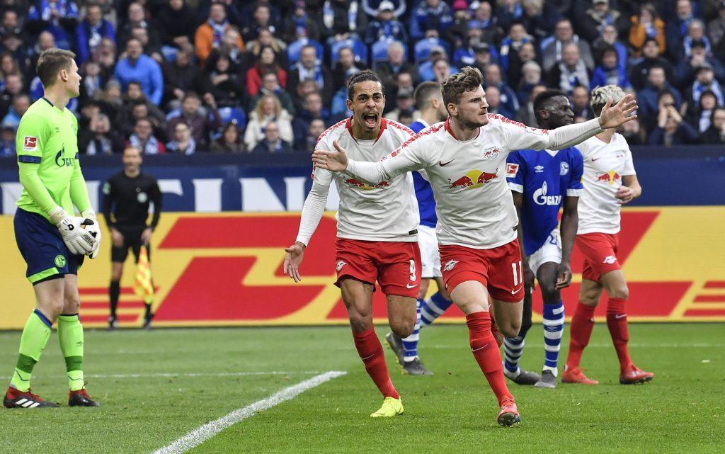 Schalke pierde en el regreso de Stevens al mando