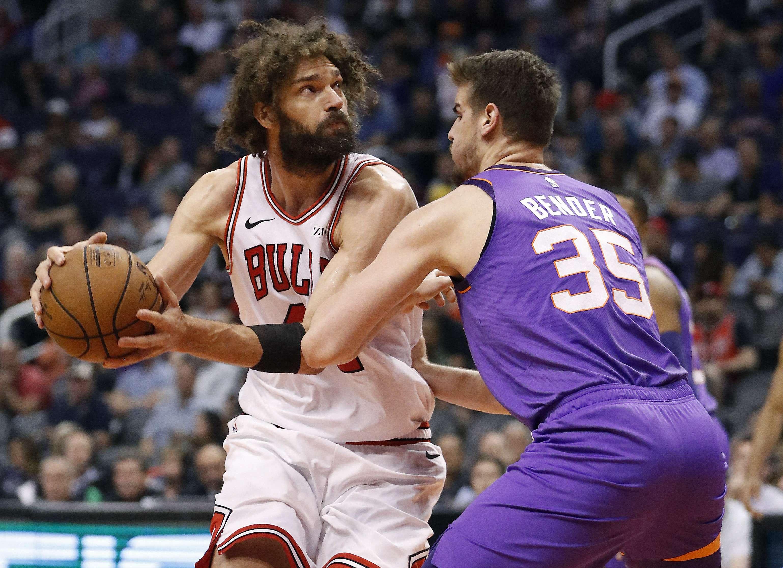 Lopez frena racha de derrotas de Bulls, ganan a Suns 116-101