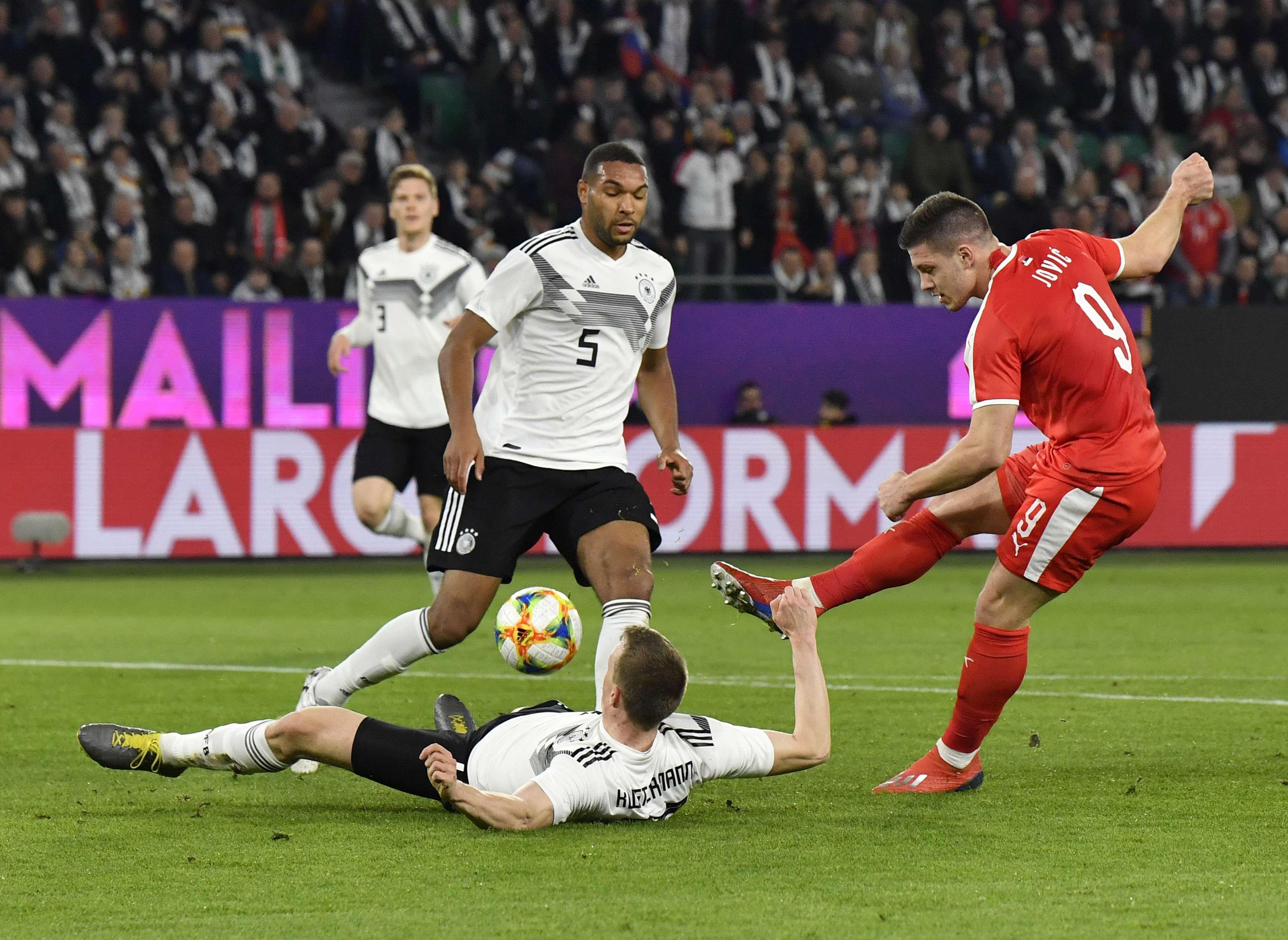 Alemania rescata empate 1-1 con Serbia en amistoso