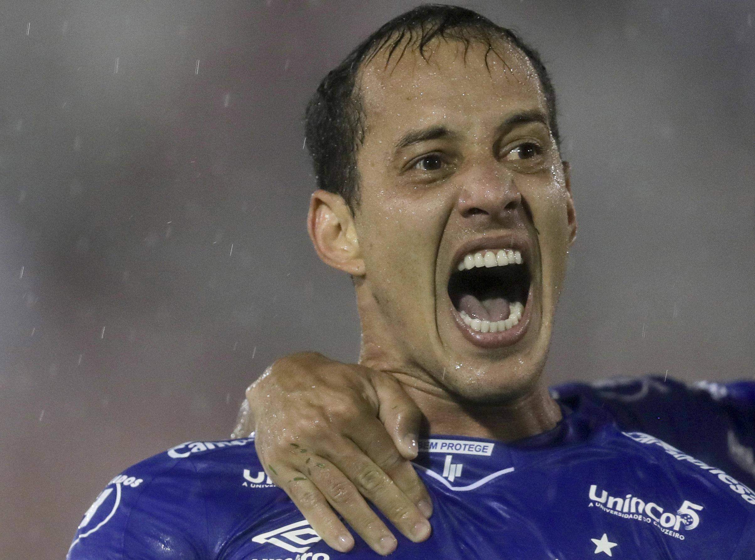 Libertadores: Cruzeiro vence 1-0 en su visita a Huracán