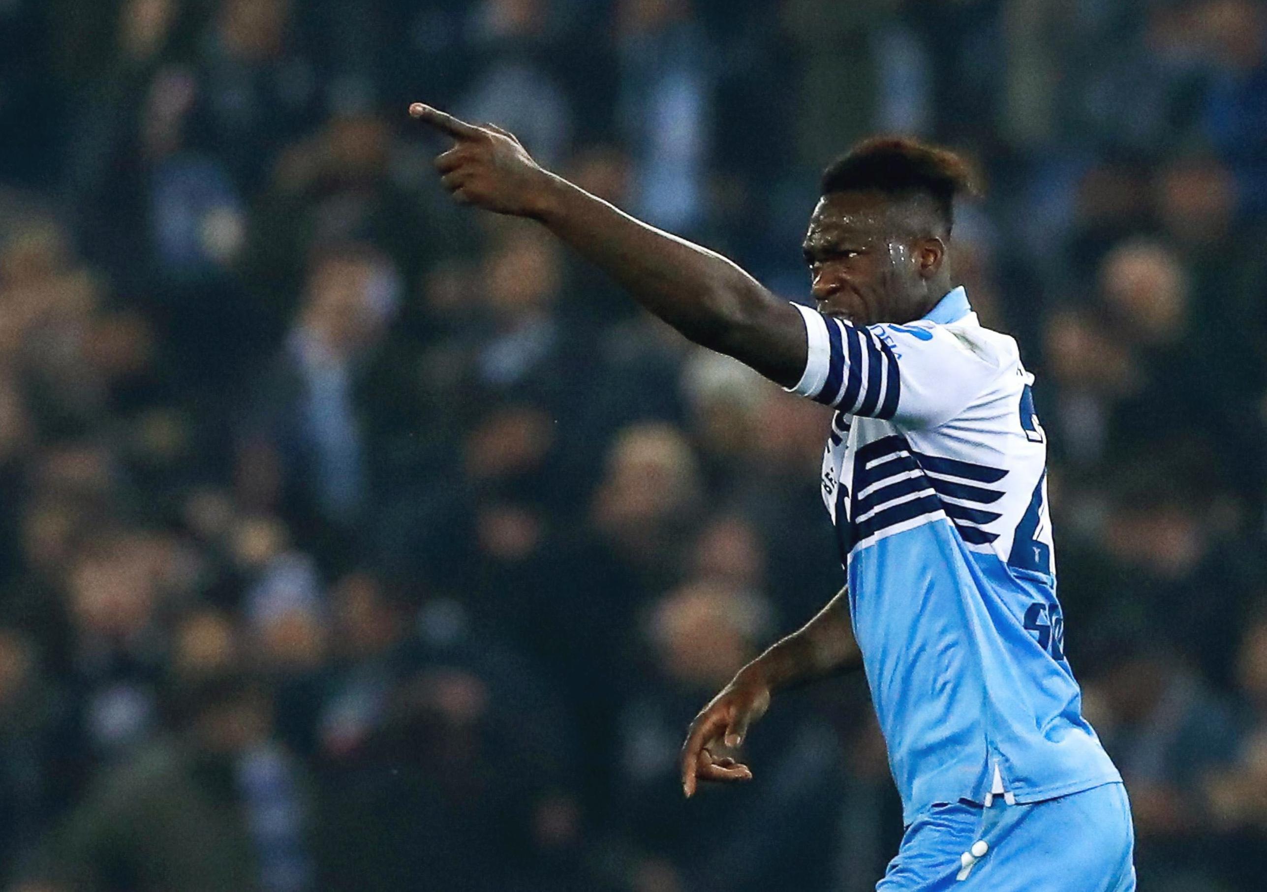 Con gol de Caicedo, Lazio derrota a Roma en derbi capitalino